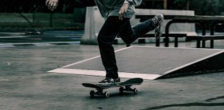 Buying-A-Longboard-for-Beginners-on-SelfGrowth