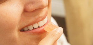 During-Lockdown-Whitening-the-Teeth-at-Your-Home-on-selfgrowth