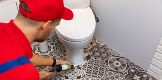 Practical-Tips-for-Re-Caulking-Your-Bathroom-Easily-on-selfgrowth